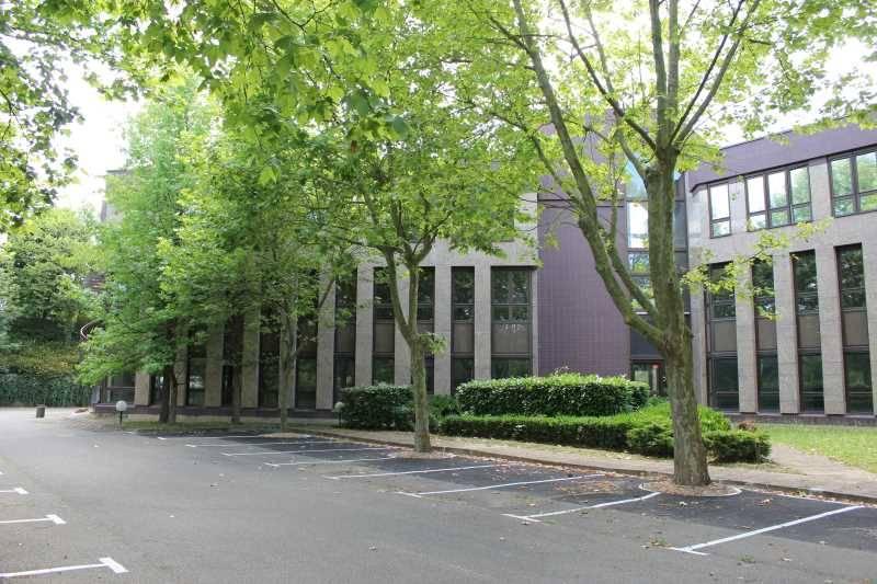 Location bureaux montigny le bretonneux 78180 1 908m2 id - Bureau de change montigny le bretonneux ...