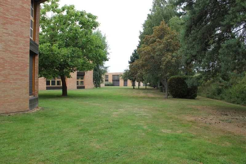 Vente bureaux montigny le bretonneux 78180 883m2 id - Bureau de change montigny le bretonneux ...
