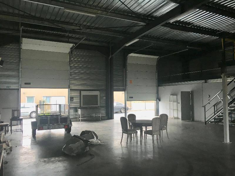 location entrep t lempdes 63370 260m2. Black Bedroom Furniture Sets. Home Design Ideas