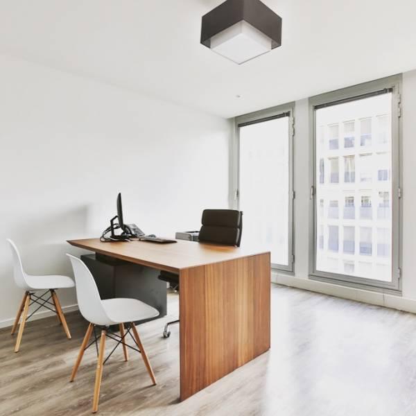 location centres d 39 affaires coworking paris qca 75008. Black Bedroom Furniture Sets. Home Design Ideas
