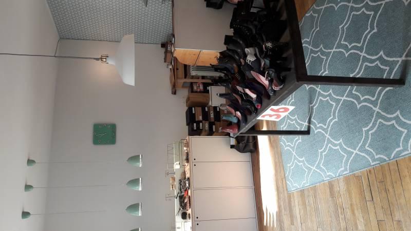 location locaux d 39 activit s locaux commerciaux paris 75009 35m2. Black Bedroom Furniture Sets. Home Design Ideas