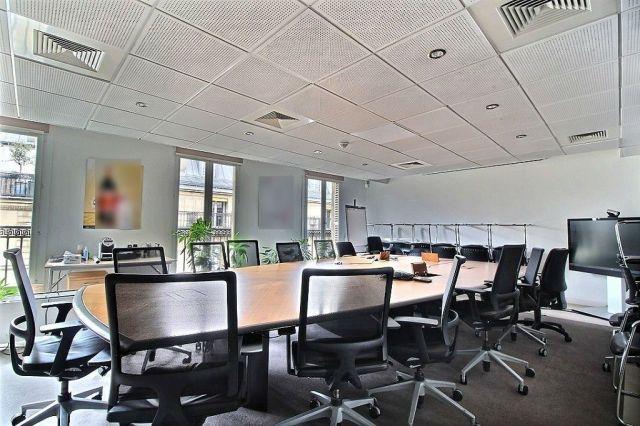 location bureaux paris 75002 230m2. Black Bedroom Furniture Sets. Home Design Ideas
