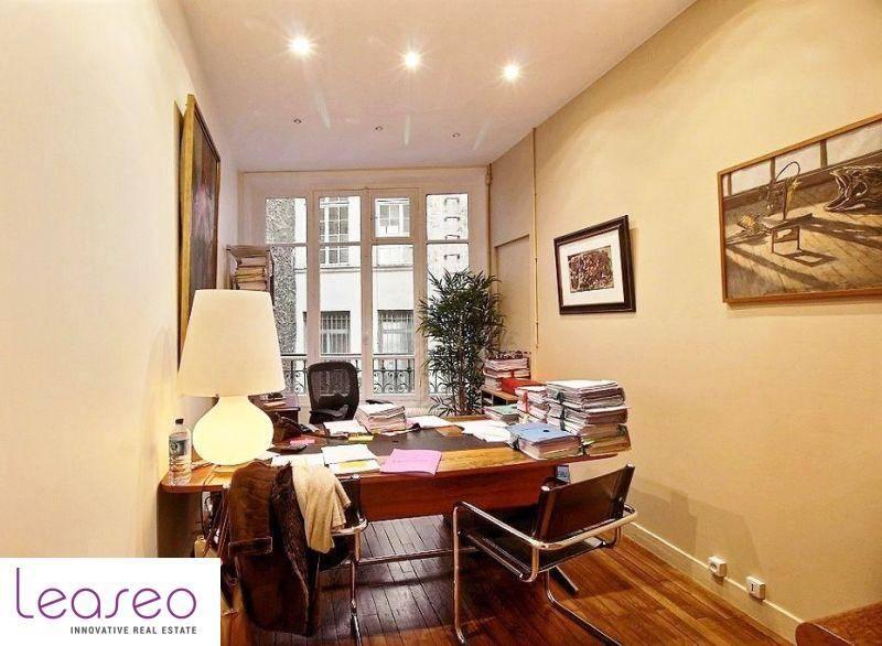 location bureaux paris 75004 193m2. Black Bedroom Furniture Sets. Home Design Ideas
