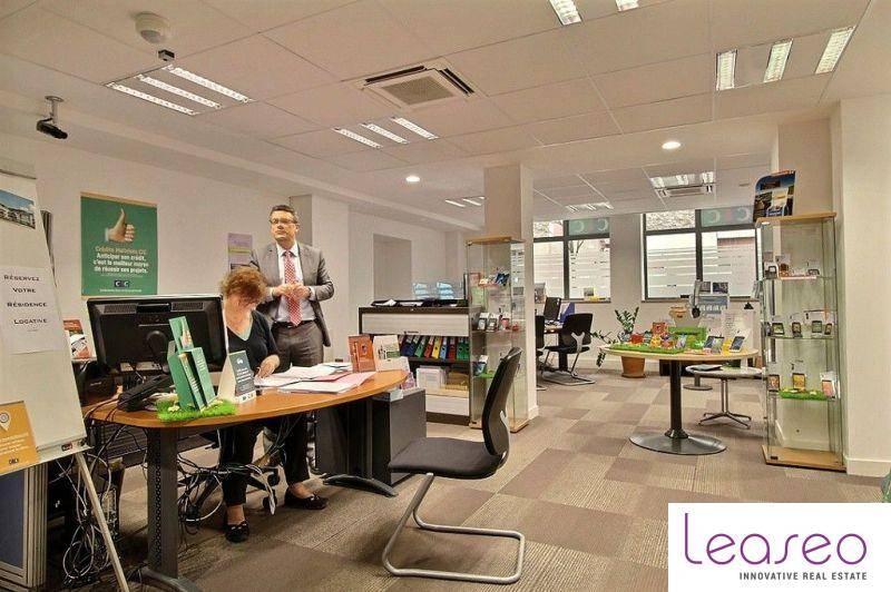 location bureaux paris 75004 273m2. Black Bedroom Furniture Sets. Home Design Ideas
