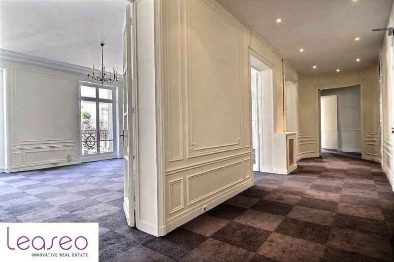 Location Bureaux Paris 8 75008 320m2 id116868 BureauxLocauxcom