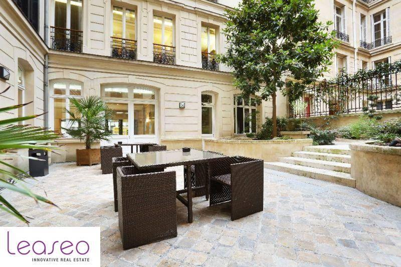 location bureaux paris 75008 40m2. Black Bedroom Furniture Sets. Home Design Ideas