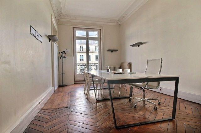 location bureaux paris 75008 166m2. Black Bedroom Furniture Sets. Home Design Ideas