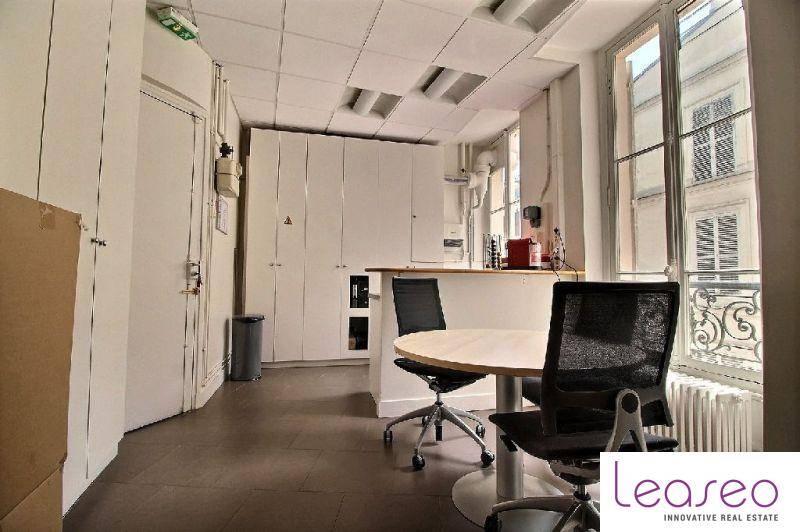 location bureaux paris 75008 155m2. Black Bedroom Furniture Sets. Home Design Ideas