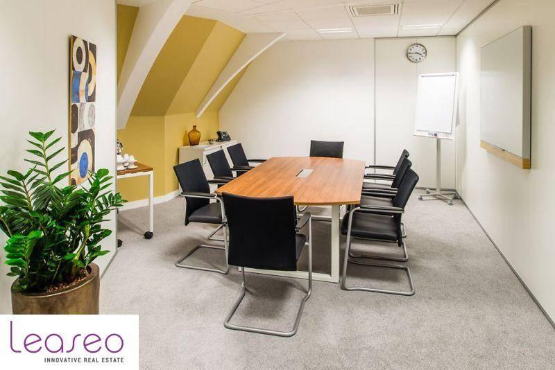 location bureaux paris 75016 10m2. Black Bedroom Furniture Sets. Home Design Ideas