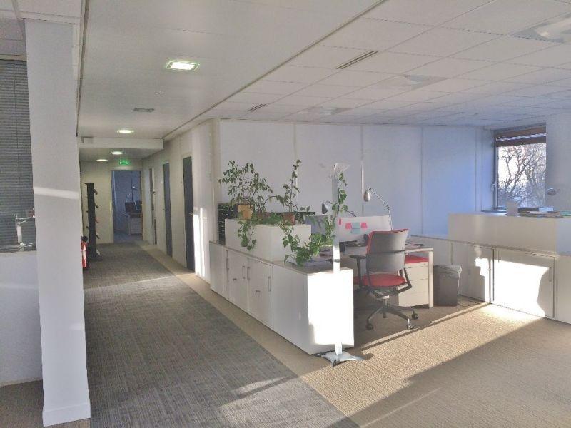 location bureaux moderne paris. Black Bedroom Furniture Sets. Home Design Ideas