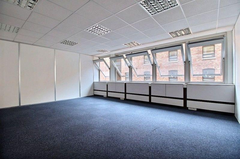Location bureaux paris 75019 391m2 for Location bureau 13