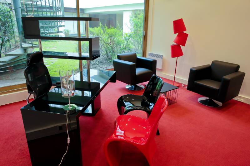 Location bureaux paris 17 75017 268m2 for Location meuble paris 17