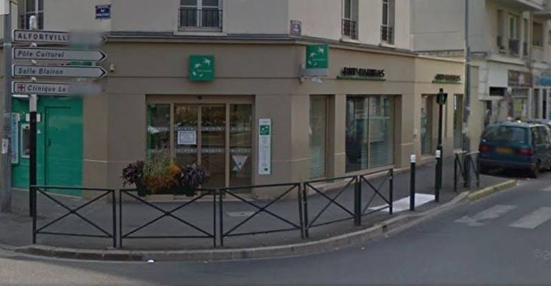 Location commerces alfortville 94140 163m2 for Location agence