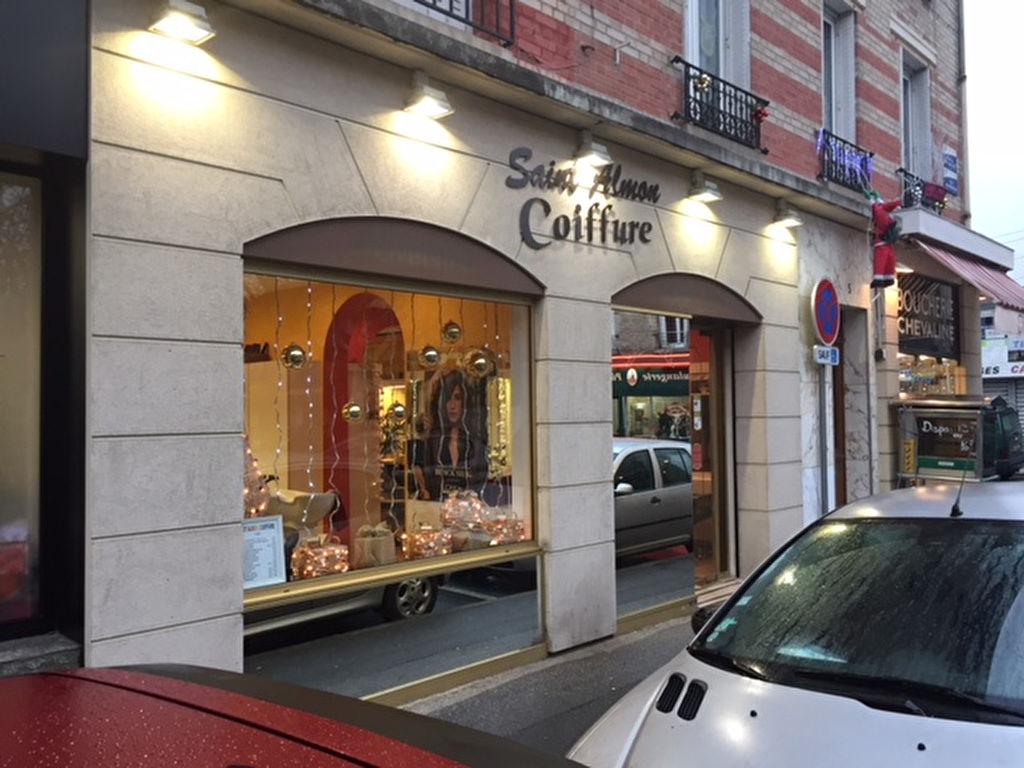 Salon de coiffure à Charentonneau - Photo 1