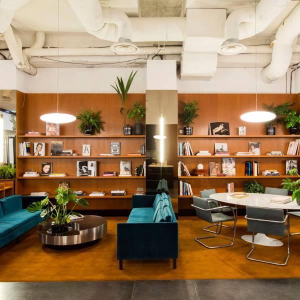 location bureaux paris 8 75008 2 700m2. Black Bedroom Furniture Sets. Home Design Ideas