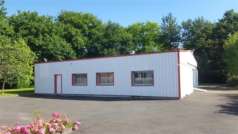 Local d'activités de 200 m² environ à louer ou à vendre à Pleumeleuc - Photo 1