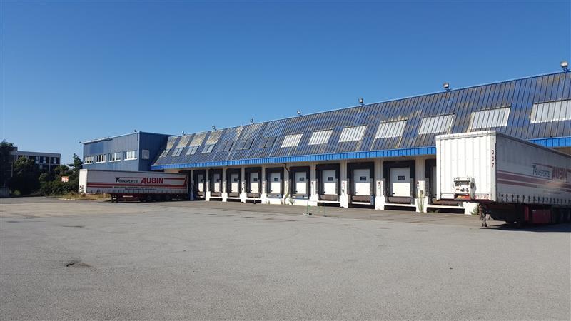 Entrepôt logistique d'environ 5 000 m² à louer ou à vendre à Rennes - Photo 1