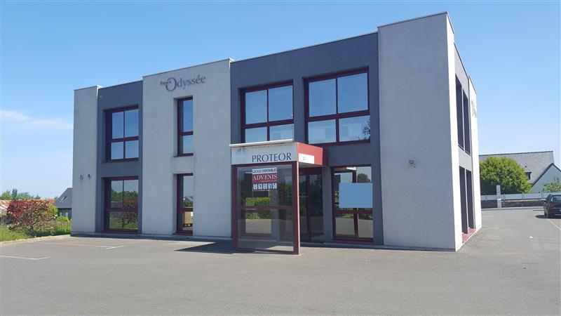 A louer/à vendre espace de bureaux de 149 m² en visibilité, proche de la ZAC de Langueux - Photo 1