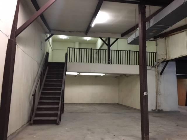 Locaux à louer, 4,2m de hauteur sous plafond!! - Photo 1