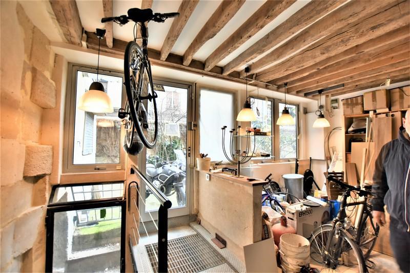 vente bureaux paris 10 75010 72m2. Black Bedroom Furniture Sets. Home Design Ideas