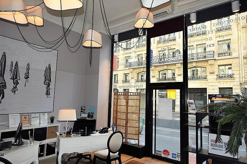 JA louer boutique à proximité immédiate de la Gare Saint-Lazare - Photo 1
