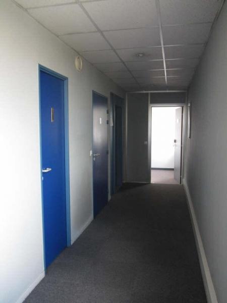 location bureaux pantin 93500 80m2. Black Bedroom Furniture Sets. Home Design Ideas
