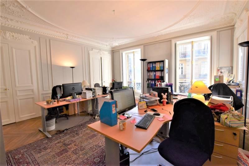location bureaux paris 75008 140m2. Black Bedroom Furniture Sets. Home Design Ideas
