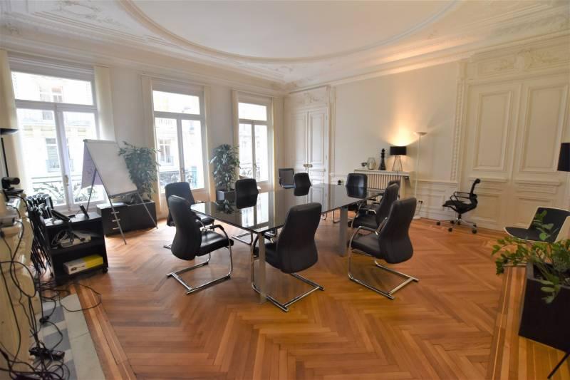 location bureaux paris 8 75008 388m2. Black Bedroom Furniture Sets. Home Design Ideas
