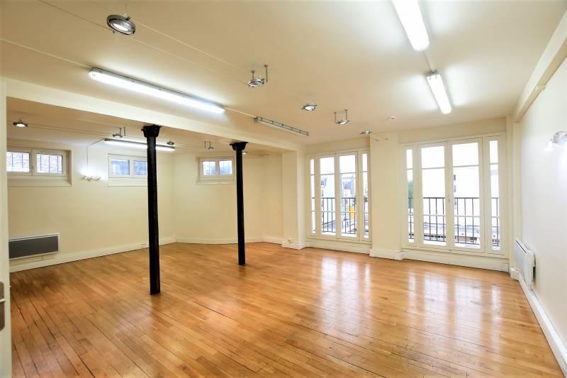 location bureaux paris 10 75010 88m2. Black Bedroom Furniture Sets. Home Design Ideas