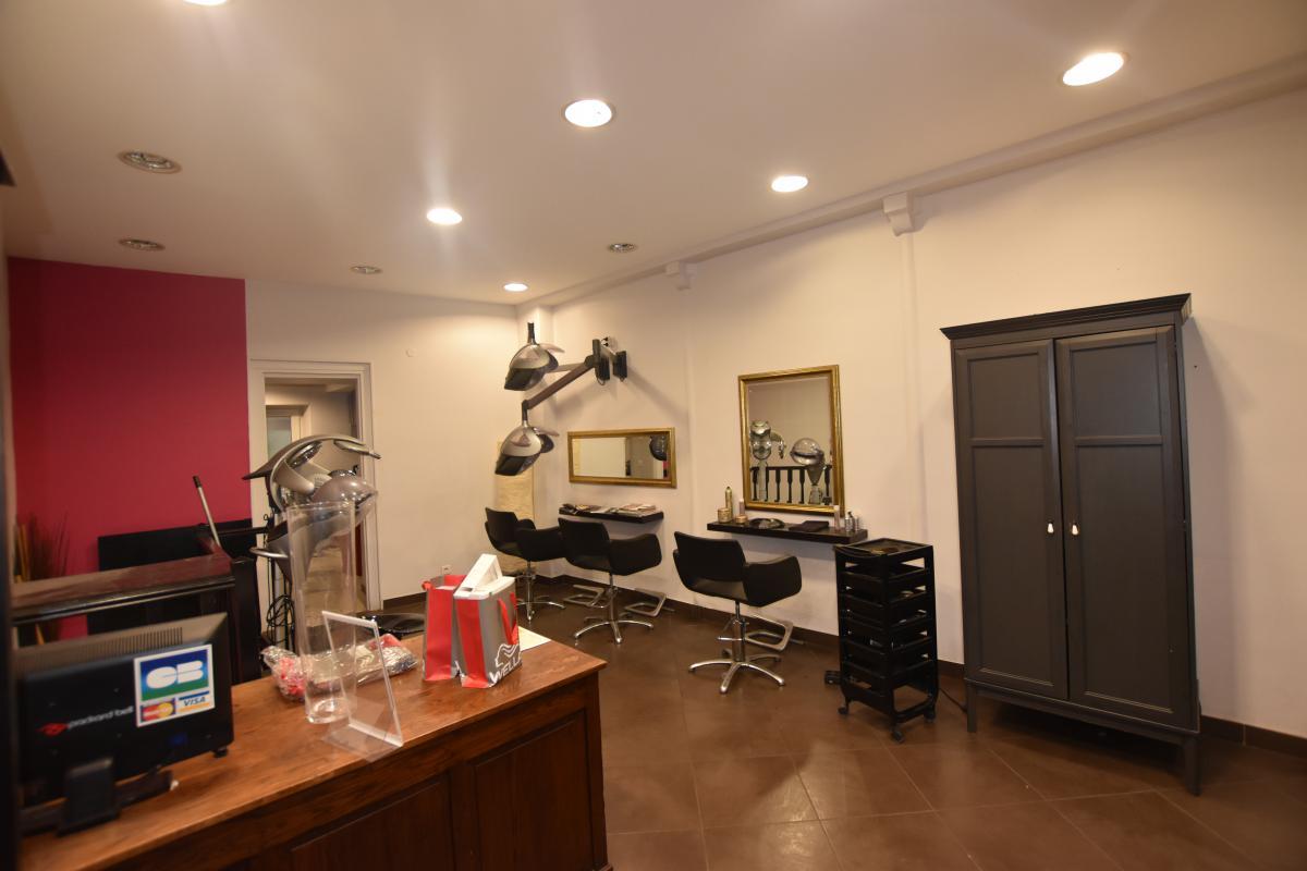 Superbe boutique à louer proche Nation! Idéal salon de coiffure!!!! - Photo 1