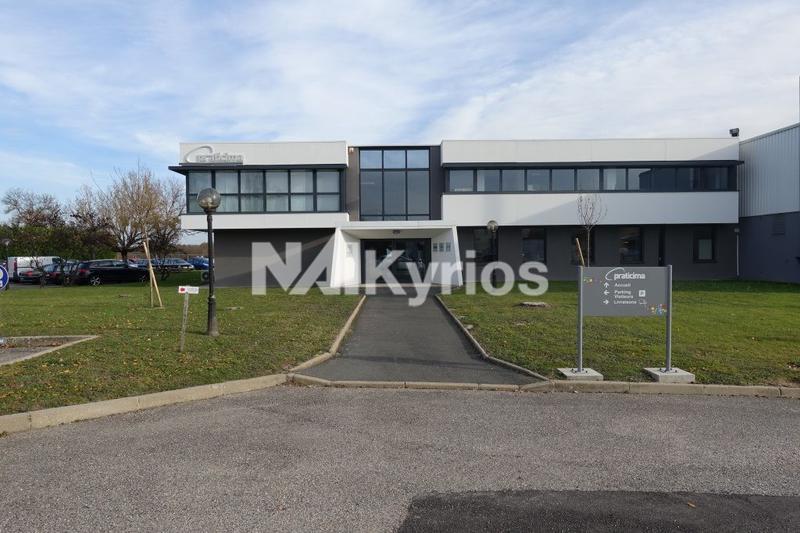 A LOUER - Entrepôt de stockage de 2000 m² à Reyrieux - Photo 1