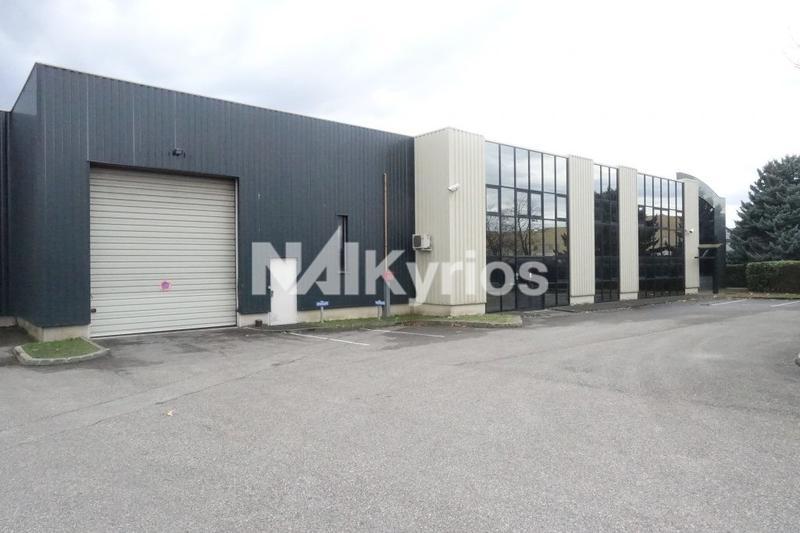 A LOUER - Local d'activité de 2 010 m² avec quai à Genas - Photo 1