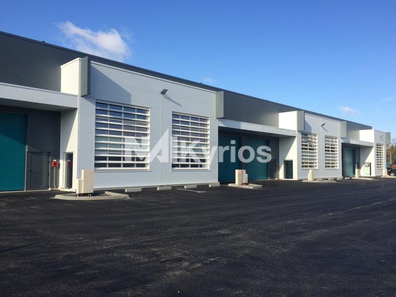 'SUD ACCESS' - A LOUER - Cellules d'activité neuves de 255 m² en ZFU à Vénissieux (accès Tramway) - Photo 1