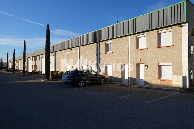 A LOUER - Locaux d'activité et Bureaux de 140, 365 et 600 m² à St Pierre de Chandieu - Photo 1