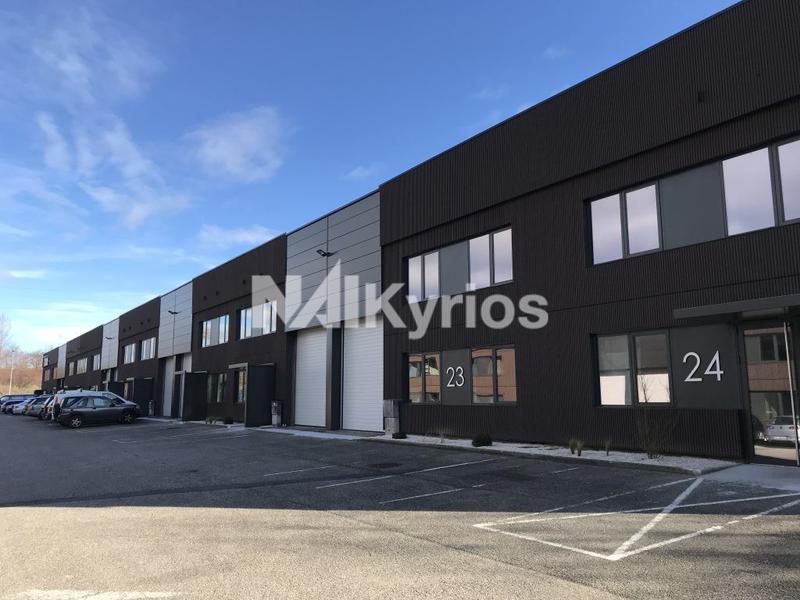 A LOUER - Locaux mixtes de 440 et 444 m² à Dardilly - Photo 1