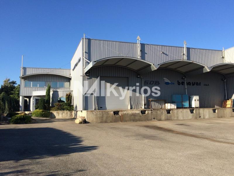 A VENDRE - Entrepôt frigorifique de 1 675 m² sur terrain de 3 500 m² St Symphorien - Photo 1