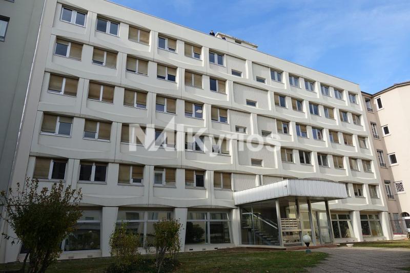 A VENDRE/A LOUER - 184 m² de bureaux en RDC à Lyon 2ème - Photo 1
