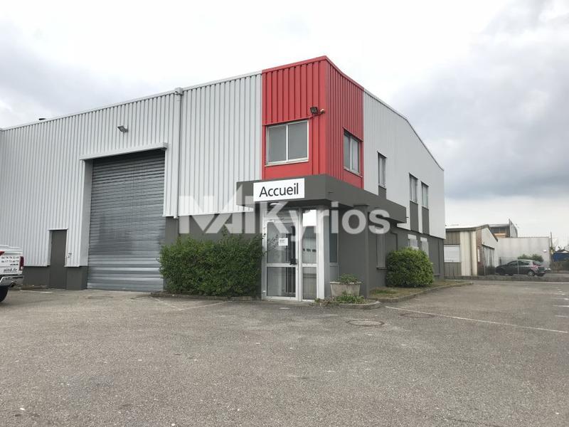 A LOUER - Local d'activité de 663 m² à Chassieu - Photo 1