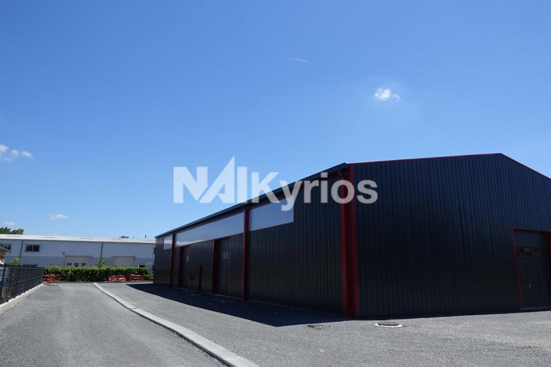 A LOUER - Local d'activité de 400 m² à Trévoux - Photo 1