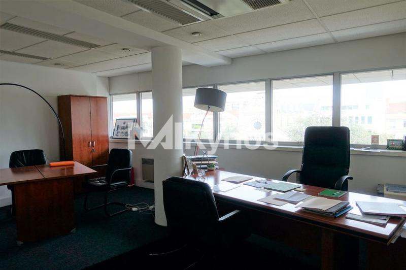 'La Villardière' - A LOUER 177 m² de bureaux divisibles à partir de 83 m² à Lyon 3 - Photo 1