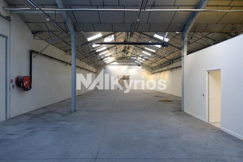A LOUER - Local d'activité de 1 550 m² divisible à partir de 470 m² à Belleville - Photo 1