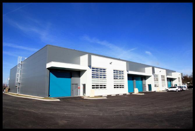 'SUD ACCESS 2'-A VENDRE/A LOUER- Cellules d'activité neuves de 256 m² en ZFU à Vénissieux (accès Tram) - Photo 1