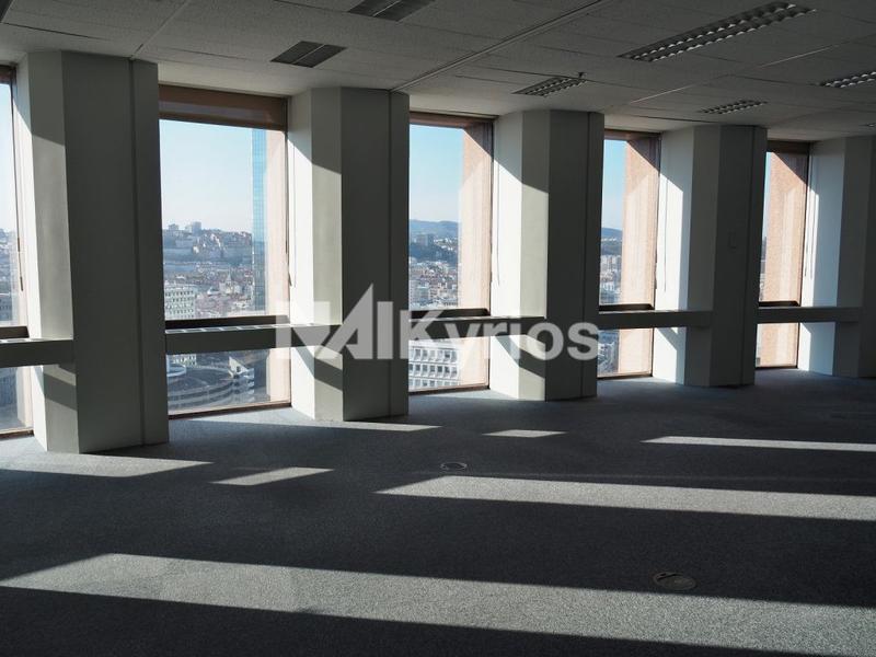 'TOUR PART DIEU' - A LOUER 1 266 m² de bureaux div. à partir de 73 m² à LYON 3 - Photo 1