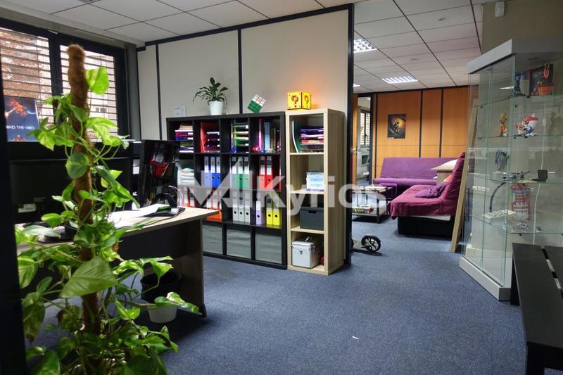 'LE THOR' A VENDRE/ A LOUER - Bureaux de 242 m² divisibles à partir de 103 m² à Villeurbanne - Photo 1