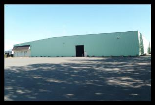 A LOUER - 2 200 m² de locaux d'activité divisibles à Belleville - Photo 1