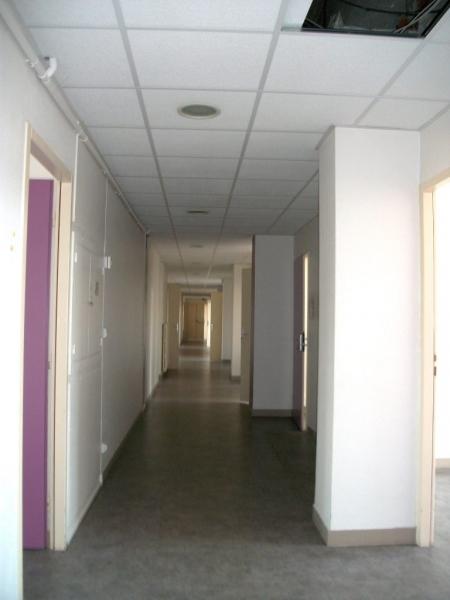 location bureaux lyon 69007 410m2. Black Bedroom Furniture Sets. Home Design Ideas
