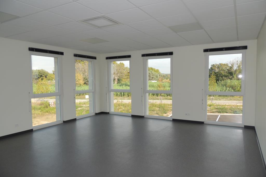 location bureaux avignon 84000 142m2. Black Bedroom Furniture Sets. Home Design Ideas