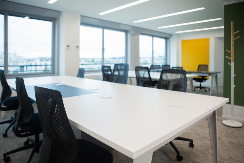 SECONDESK NEUILLY - Photo 1
