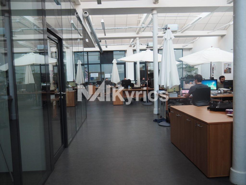 A LOUER - 180 m² de bureaux atypiques en RDC à Lyon 4 ème - Photo 1