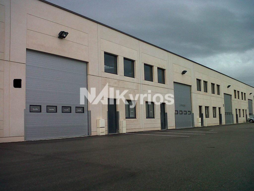 ZI CHASSIEU - A LOUER Locaux d'activité de 716 m² à Chassieu - Photo 1
